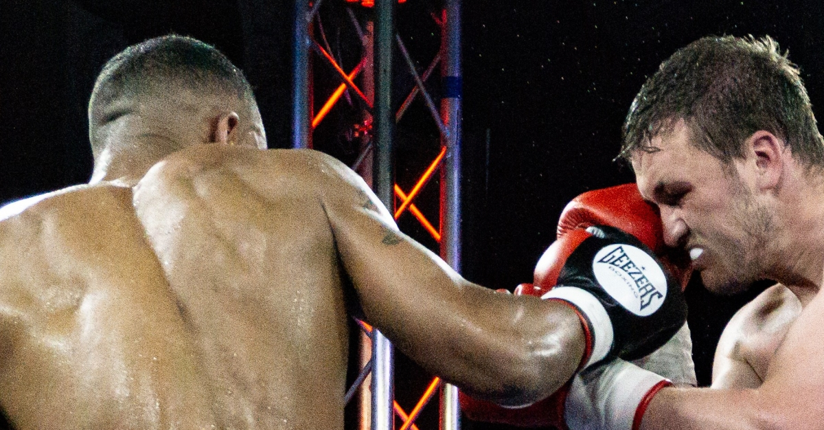 OPPORTUNITY KNOCKS FOR DENNY AS WALSALL TOWN HALL HOSTS ENGLISH TITLE FIGHT